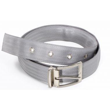 François Ceinture en ceinture de sécurité gris clair