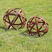Boule à arceaux - Déco jardin en métal