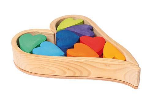 Coeur en construction multicolore