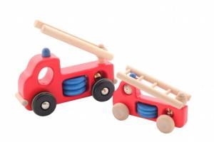 Grande voiture de pompier en bois