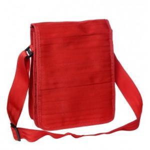 Sac Pierre rouge en ceintures de sécurité recyclées
