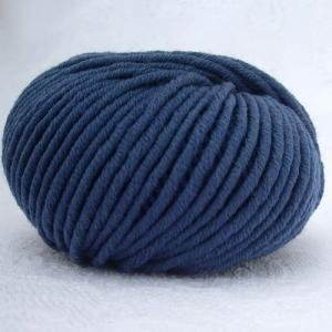 Fil à tricoter 100% laine mérinos peignée bleu foncé aiguille 6
