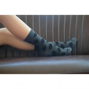 Chaussette coton bio grises et pois noirs