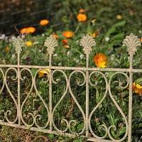 Bordure de jardin antique en métal vieilli Long. 58cm
