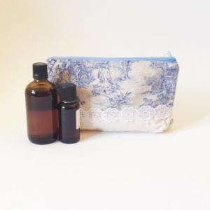Trousse de rangement pour soins et maquillage  Dentelle et Toile de Jouy  - 12 x 23 cm