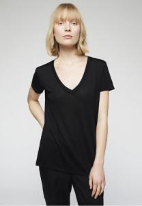T-shirt col v noir en tencel - juliaa
