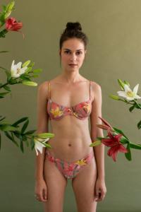 Haut de bikini en nylon recyclé - bouquet - Reset Priority