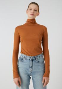 T-shirt manches longues col roulé marron en coton bio - malenaa