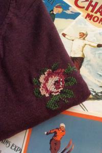 T-shirt brodé prune en coton bio - rose