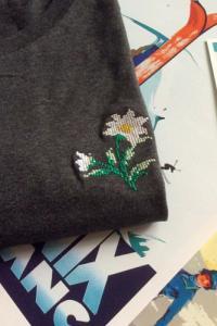 T-shirt brodé gris foncé en coton bio - edelweiss - Johnny Romance