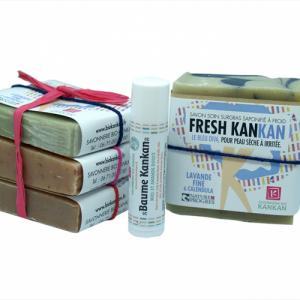 Pack de 4 Savons et 1 baume réparateur lèvres (pochon-cadeau)