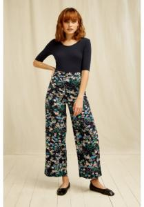 Pantalon ample marine à motifs fleuris en coton bio - People Tree